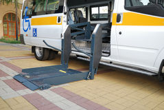 dźwignięcia wózek inwalidzki Obraz Royalty Free