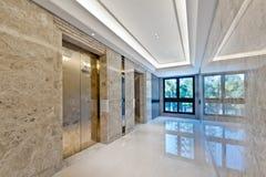 Dźwignięcie lobby w pięknym marmurze obraz stock