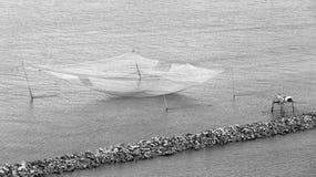 Dźwignięcie netto siatka na rzece Obrazy Stock