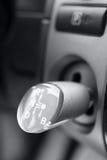 Dźwignia zmiany gear-box w samochodzie obrazy royalty free
