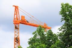 Dźwigowy przemysł selekcyjnej ostrości budowy budynków miejsca miasto Fotografia Stock