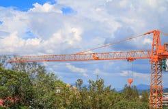 Dźwigowy selekcyjnej ostrości budowy budynków miejsce Zdjęcie Stock