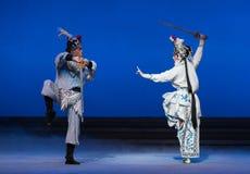 """Dźwigowy wiadro kwinty akt Kraść nieśmiertelnego Opera""""Madame Snake†Białego  Zdjęcia Royalty Free"""