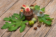 Dżem zieleni figi i świeża owoc Fotografia Royalty Free
