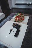 Dżentelmenów akcesoria Man& x27; s styl motyl, buty, szarfa, cufflinks Ustalony fornal Telefon komórkowy gadżet bukiet Obraz Royalty Free