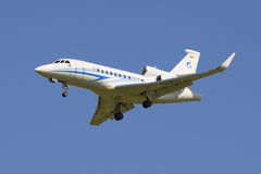 Dżetowy Dassault jastrząbek 900 EX firma Gazpromavia w locie (RA-09600) Obrazy Stock