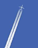 Dżetowy samolot z śladem Zdjęcie Royalty Free