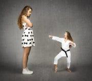 Dżudo dziewczyny śmieszna wersja zdjęcie royalty free