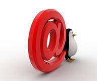 3d与红色e邮件象概念的企鹅 免版税库存照片