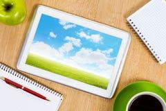 3d例证图象办公室工作场所 免版税库存图片