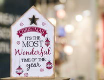 3d圣诞节查出在木偶白色的扩音机消息 免版税图库摄影