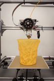 3d在机器人和制造商展示的打印机 库存照片