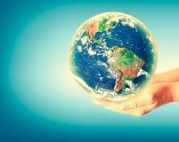3d地球展望期线路回报了空间 最佳的企业概念概念全球地球发光的现有量互联网系列 用装备的这个图象的元素  库存照片