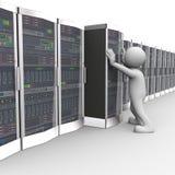 3d工作在计算机网络服务器室的人 免版税库存图片