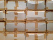 3d把纸板被生成的图象装箱 免版税库存图片