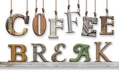 3d文本咖啡休息 木纹理 在架子垂悬和安置的信件 库存照片