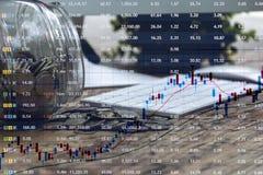 3d概念投资查出的翻译 考虑在图的增长的收支的硬币图表股市与RGB小故障作用 免版税库存图片