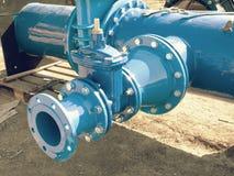 D环形物水管道系统、闸式阀和减少成员 免版税库存图片