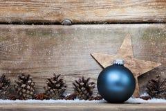 3d背景中看不中用的物品圣诞节组成了摄影实际回报 库存图片