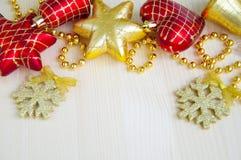 3d背景中看不中用的物品圣诞节组成了摄影实际回报 免版税库存照片