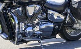3d背景被镀铬的引擎图象摩托车白色 库存照片