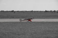 3d航空器飞机黑色例证查出着陆跑道 免版税库存照片