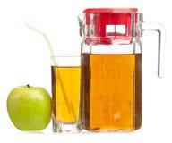 3d苹果苹果概念性下跌的食物玻璃图象汁液自然透明 免版税库存照片