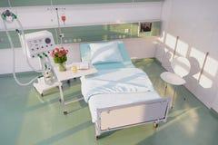 3d übertragen - leeres Krankenhauszimmer Lizenzfreies Stockbild