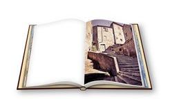 3D übertragen von einem geöffneten Fotobuch von Pitigliano-Dorf, Italien vektor abbildung