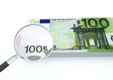 3D übertragenes Eurogeld mit dem Vergrößerungsglas forschen Währung lokalisiert auf weißem Hintergrund nach stockbilder