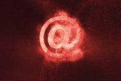 3d белизна знака модели почты предпосылки e сообщения почты интернета e посылая символ знака Абстрактная предпосылка ночного неба Стоковые Фото