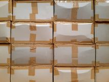 3d кладет изображение в коробку произведенное картоном Стоковое Изображение RF