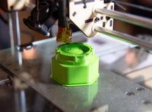 3D принтер - печатание FDM стоковое изображение rf