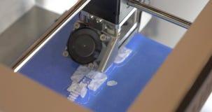 3D принтер, тот объект печатей пластичный
