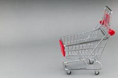 3d购物车被生成的图象购物 库存照片
