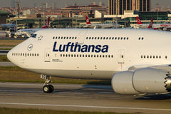 D-ABYQ Lufthansa Boeing 747-830 Photo stock