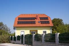 D'acqua calda da energia solare Fotografia Stock