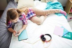 d'adolescent moderne de fille Image libre de droits