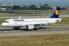 D-AIUB Lufthansa, Airbus A320 - 200 Fotos de Stock Royalty Free