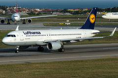 D-AIUK Lufthansa , Airbus A230-214 with sharklets Stock Photo