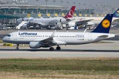 D-AIZX Lufthansa, Airbus A320-214 Fotografia de Stock Royalty Free