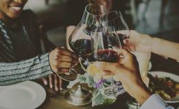 D'amusement de Dinning de vin de boissons célébration ensemble Photographie stock