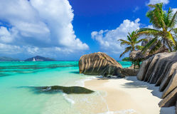 d'Argent Anse的来源-靠岸在海岛拉迪格岛上在塞舌尔群岛 免版税库存图片