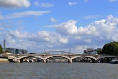 D'Austerlitz Pont, река Siene, Париж Стоковые Фотографии RF