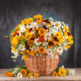 D'automne toujours durée Fleur, fruits et légumes photographie stock libre de droits