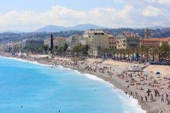 海滩在尼斯,彻特d'Azur,法国 免版税库存照片