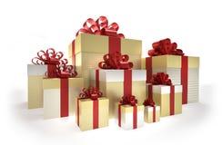 D'or - boîte-cadeau argentés avec le ruban rouge Photo libre de droits