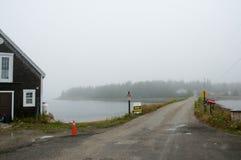 Dębowa wyspa w mgle - nowa Scotia, Kanada - Obraz Stock