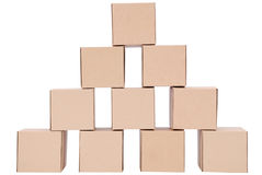3d boxes papp frambragd bild boxes pyramiden Arkivbild