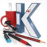 ` 3d brief van K ` met bureaumateriaal Stock Afbeeldingen